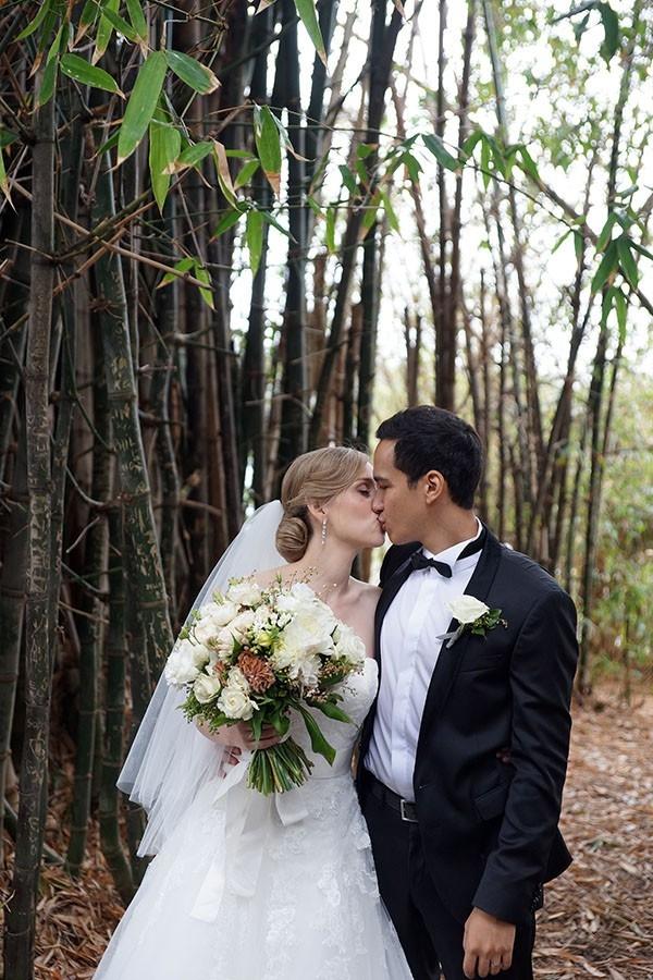 Sydney Newlyweds At A Formal Wedding
