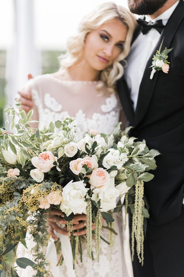 Lush peach and cream bouquet