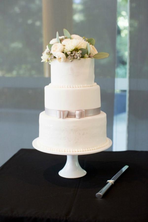 Three Tier Classic Wedding Cake
