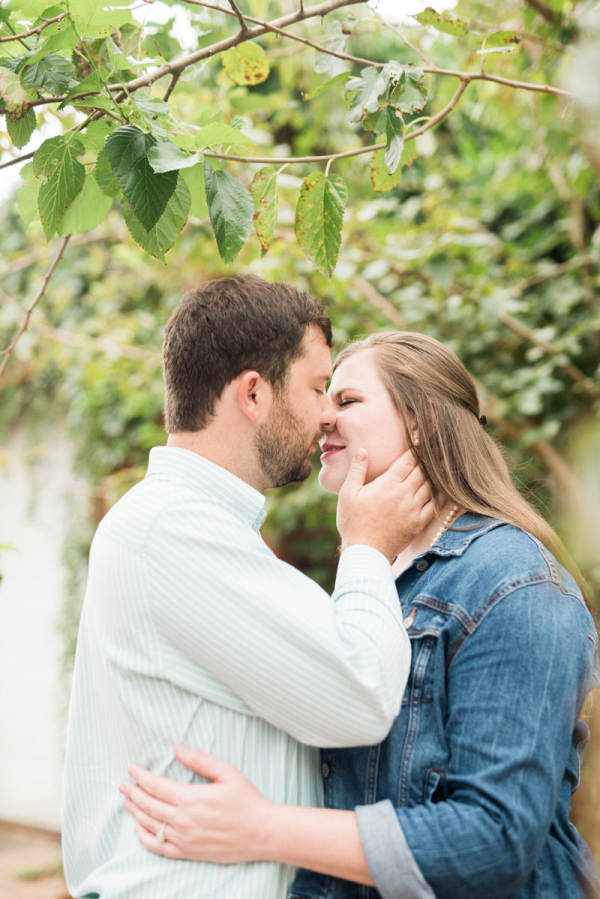 Charming outdoor engagement session in Alabama