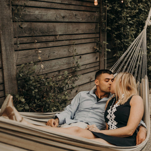 A kiss in the hammock