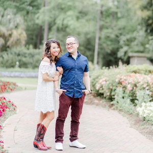 Elegant botanical garden Texas engagment session