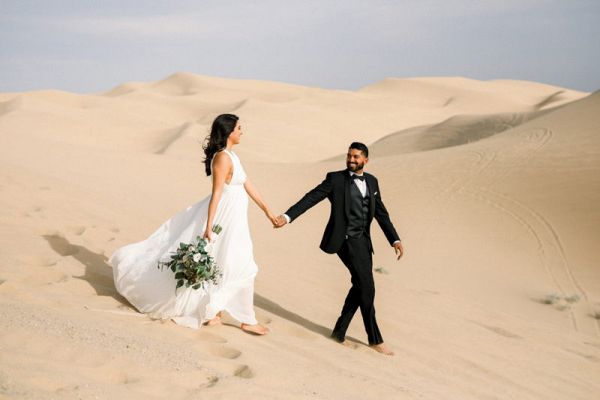 Engagement session at California's imperial sand dunes