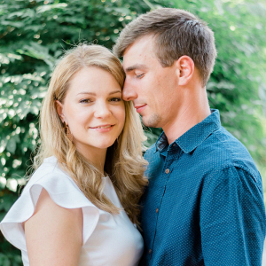 Playful and relaxed Virginia engagement session