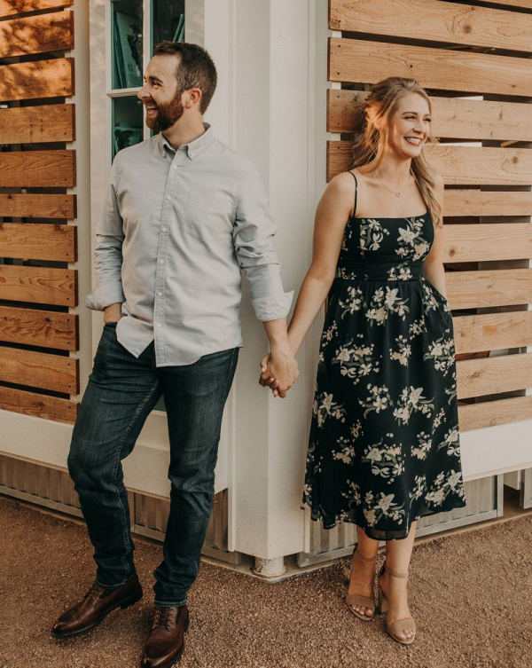 Unforgettable outdoors engagement session