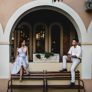 Chic engagement session
