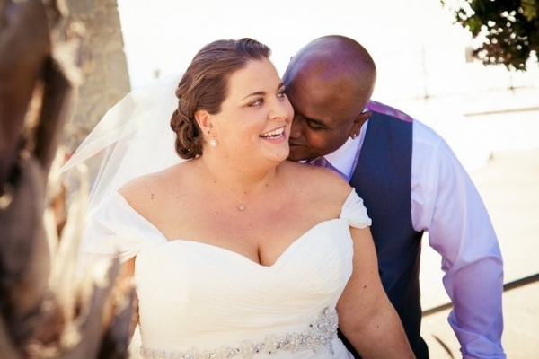plus size bride, pink, coastal wedding