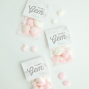 Learn how to make your own sugar cube gemstone favors!