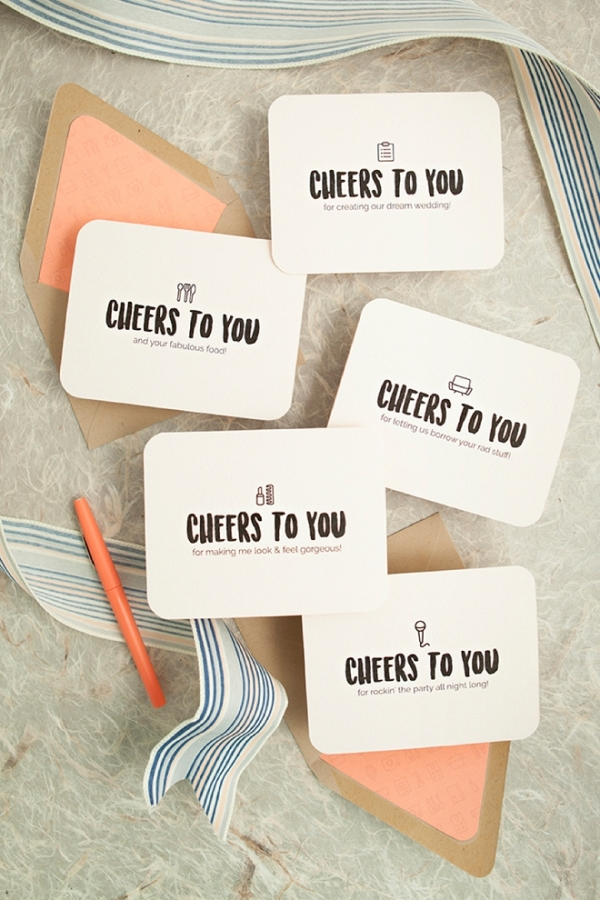 Check out these awesome free printable wedding vendor thank you cards!