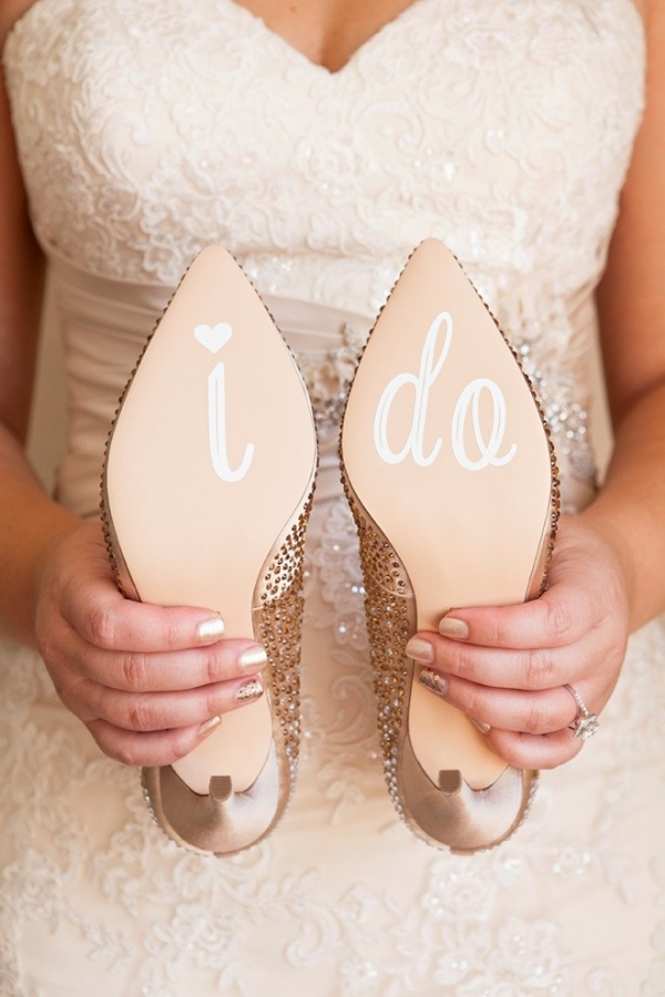 Learn how to make your own custom wedding shoes stickers!