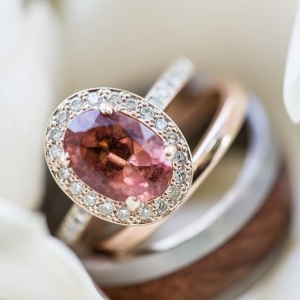 Engagement ring with color stone