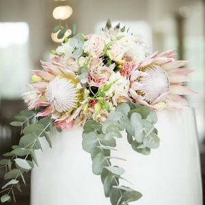 Protea statement bouquet
