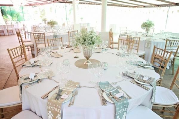 Wedding tables with teatowel napkins