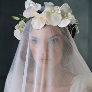 Bride in flower crown & veil