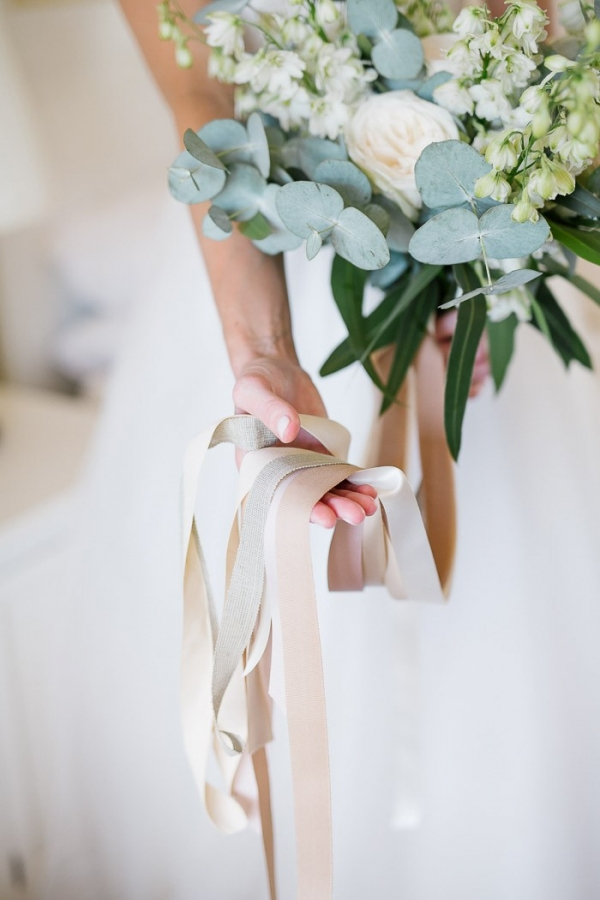 Bouquet with ribbon ties