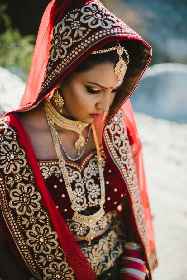 Traditional Hindu Bride Solah Shringar