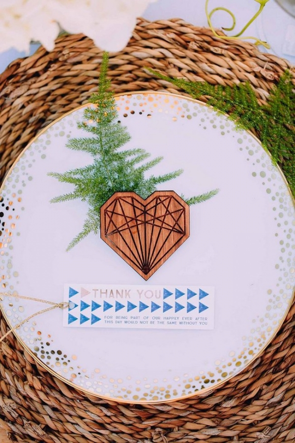Geometric heart place setting