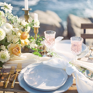 Romantic coastal wedding table
