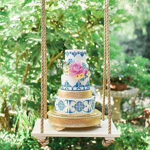 cake on swing