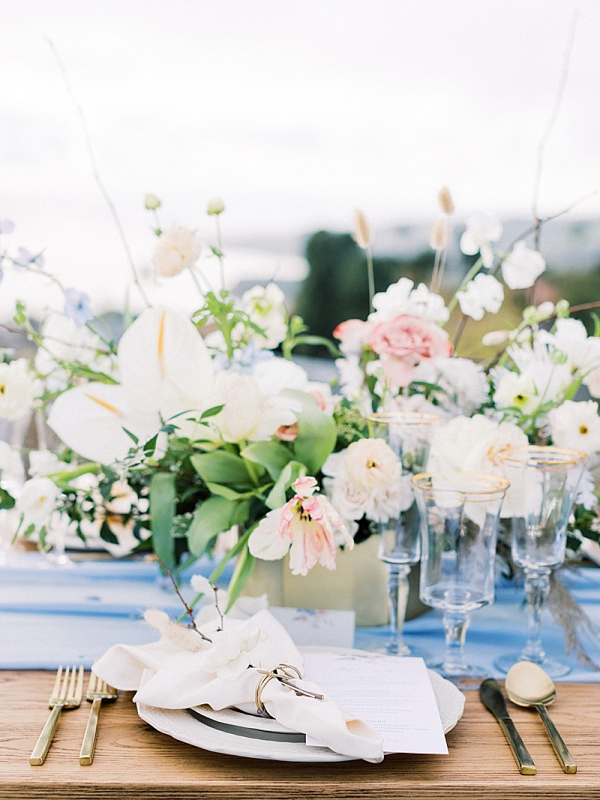 Blue and pink floral wedding table
