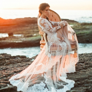 Romantic Seaside Bridal Shoot