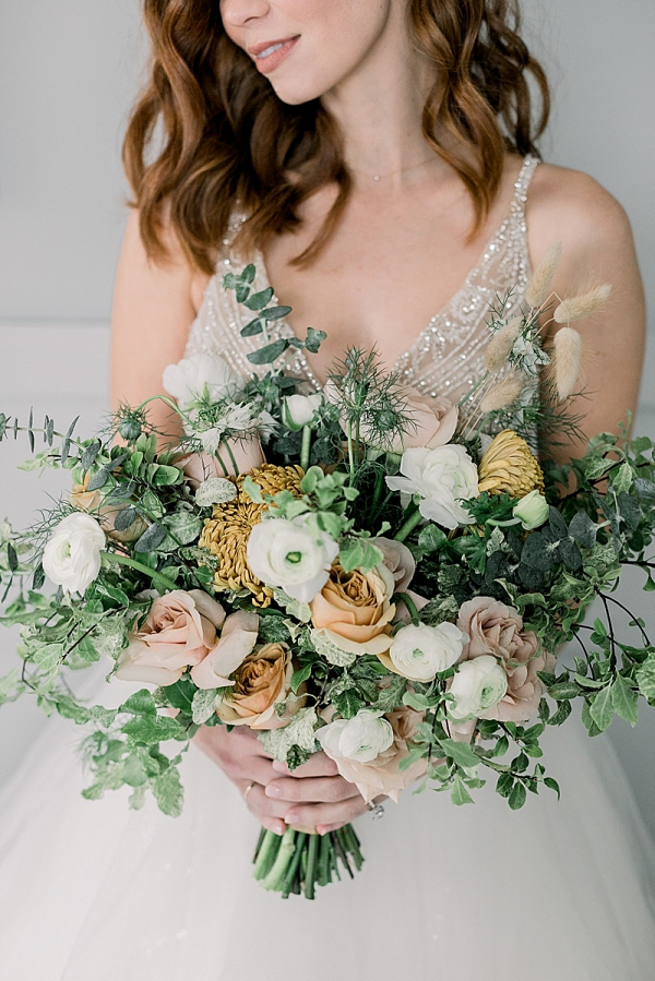 Neutral organic bridal bouquet