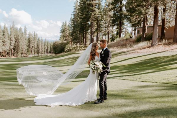 Neutral toned timeless Lake Tahoe wedding