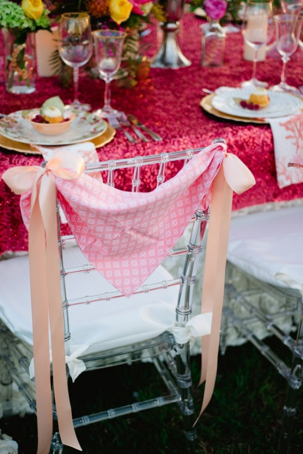 Metallic Pink Sequin Tablecloth Create This Dynamic Place Setting For A Glamorous Wedding