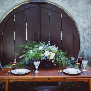 Velaslavasay Panorama Vintage Wedding Tablescape Amber Gress Photography