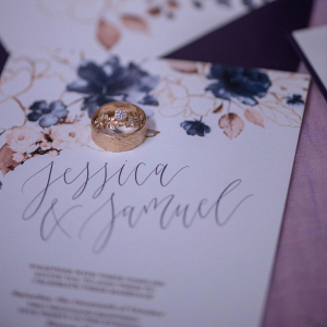 Wedding invitations with floral design