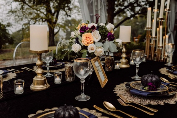 Moody black wedding inspiration