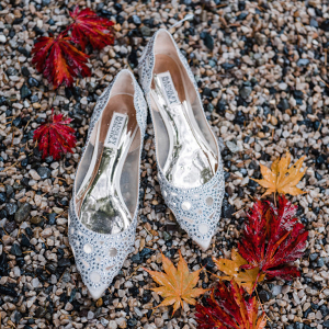 Bridal shoes with tiny mirrors