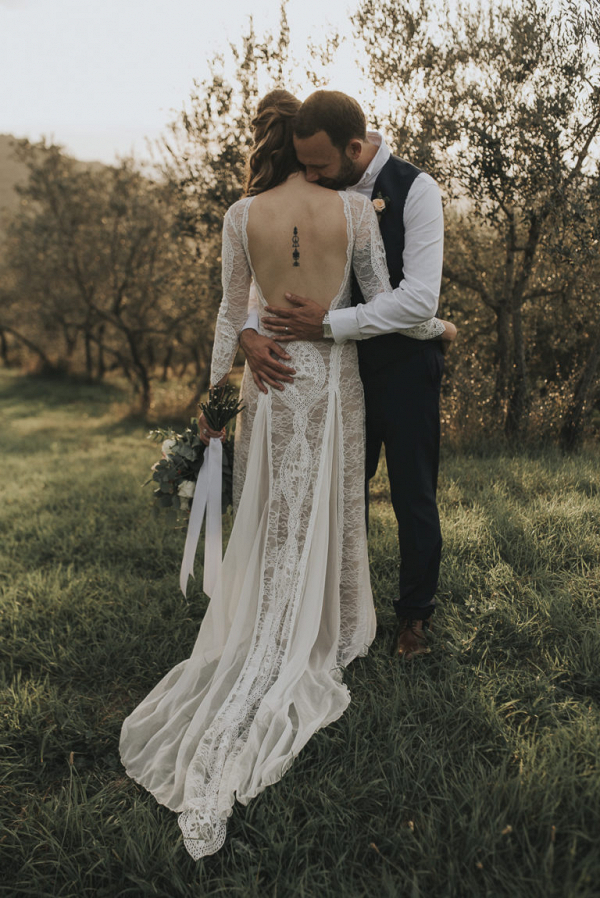 Relaxed and intimate Tuscan wedding