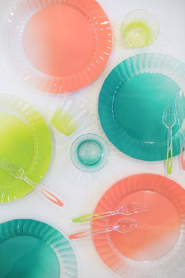 Colorful disposable dinnerware tutorial