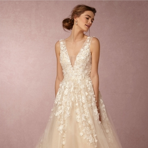 Romantic tulle wedding gown with floral appliques