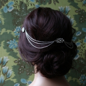 Deco-inspired hair chain