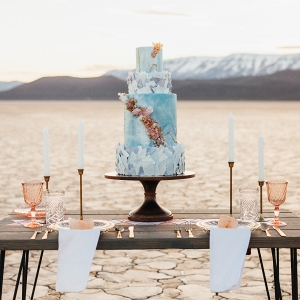 Geology-inspired wedding cake