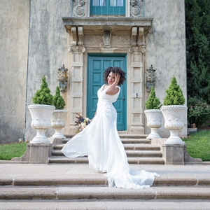 Bridal Portrait Session at the Dresser Mansion