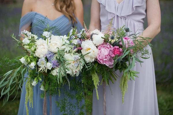 Flower-filled bridesmaid fashion shoot at a lavender farm in Pennsylvania