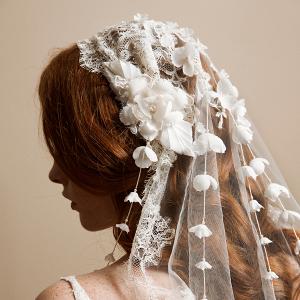 Marianne Lace Juliet Veil