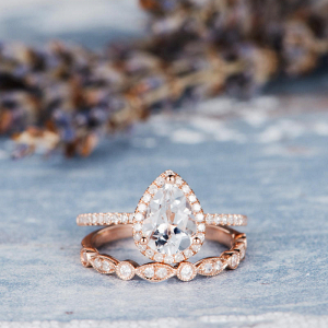 Pear Shaped Engagement And Wedding Ring Set