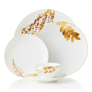 Porcelain dinnerware with golden leaves