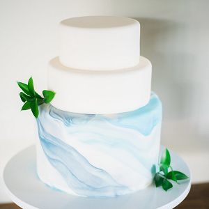 Minimalist wedding cake with marbled fondant