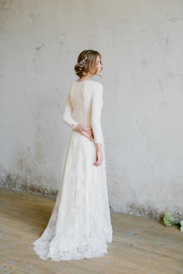 Vintace Lace Wedding Dress Back