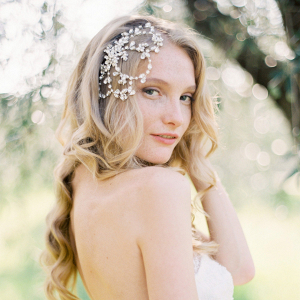 Vintage-Inspired Bridal Hair Comb