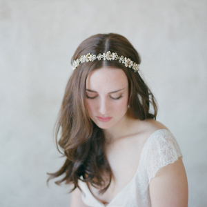 Vintage-Inspired Gold Bridal Headband