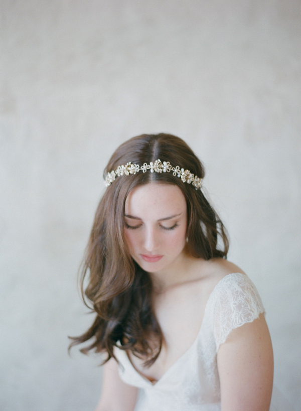 Vintage-Inspired Gold Bridal Headband