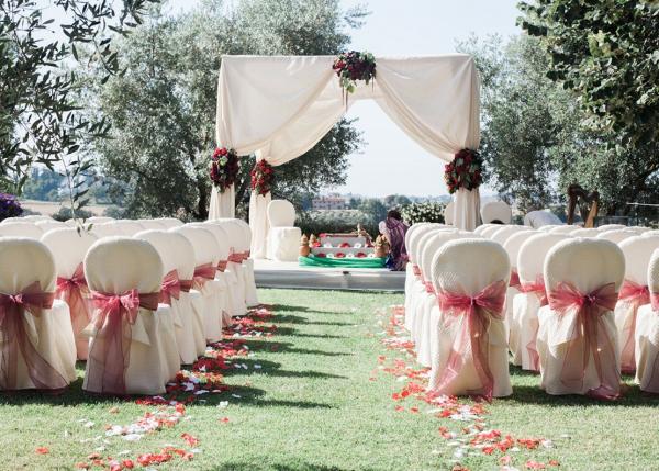Outdoor Hindu wedding ceremony