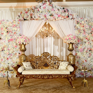 Luxe white and gold wedding decor