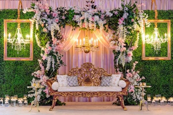 Ultra glam lounge area